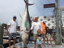 Patron with their winning Bluefin, 750.1 monster!!!