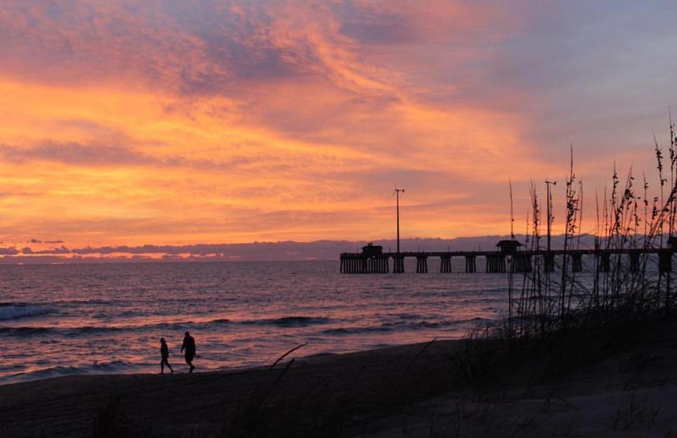 Jennette 39 s pier fishing report october 25 2017 for Jennette s pier fishing report